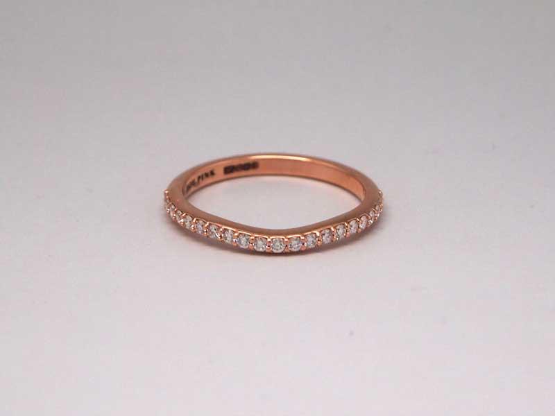 14kt rose gold diamond shaped wedding band