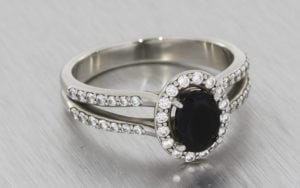 Oval onyx split shank halo engagement ring - Portfolio